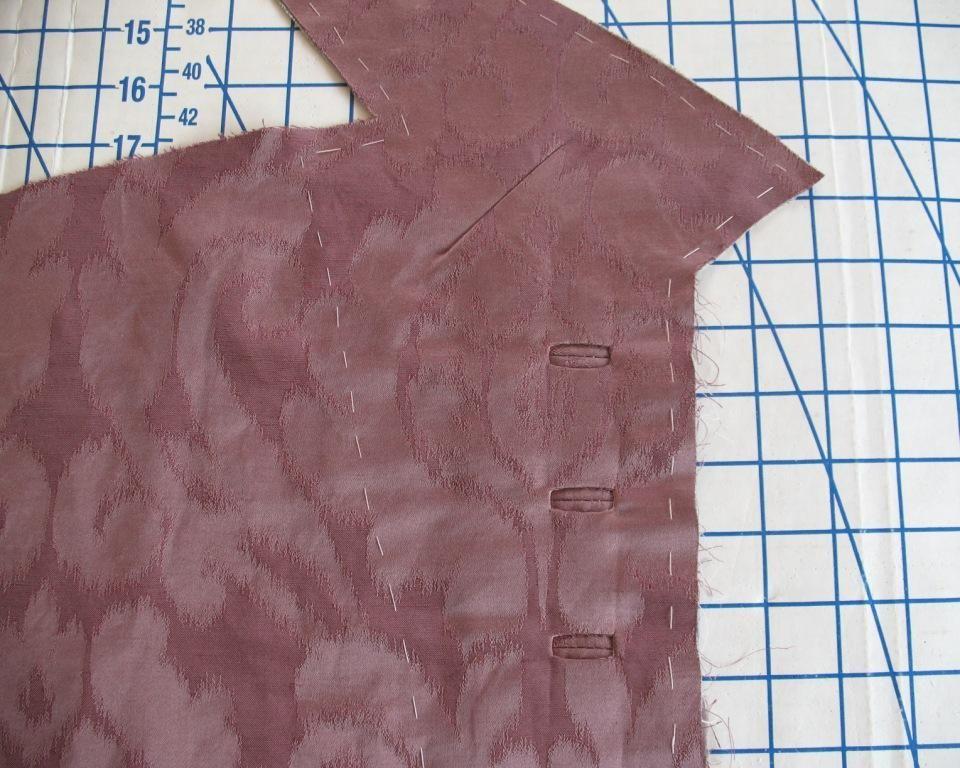 kết hợp họa tiết với khuy áo