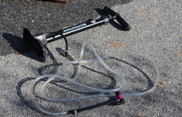 ống bơm xe đạp