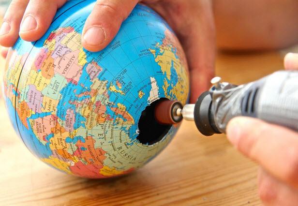 hình tròn trên quả địa cầu