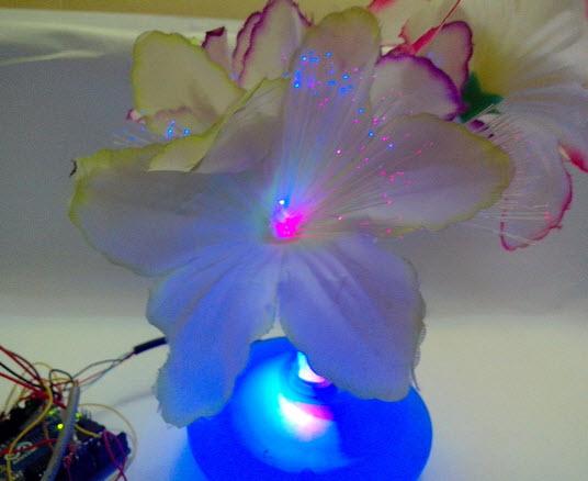 bình hoa đèn LED đẹp với ánh sáng lung linh