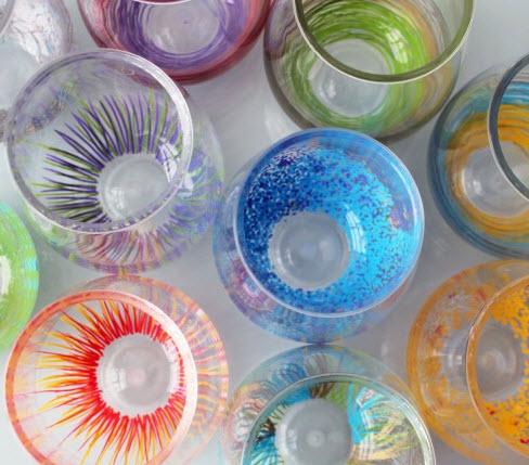 Tô màu cho những chiếc ly thủy tinh