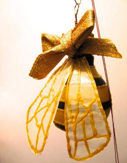 Quà tặng Ong Giáng sinh làm từ bóng đèn tròn