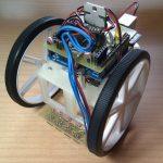 Làm robot đơn giản với mạch Arduino UNO