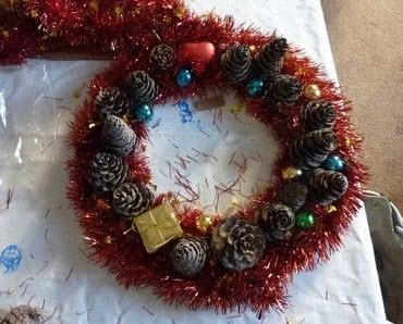 Tự làm vòng hoa Giáng sinh đẹp lung linh