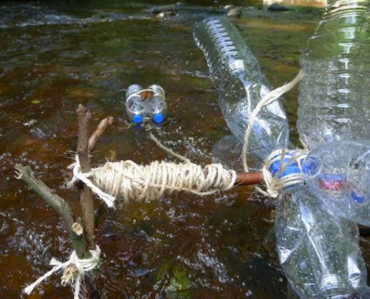 làm bánh xe nước từ chai nhựa