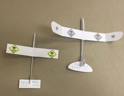 mô hình máy bay giấy bay lượn nhẹ nhàng