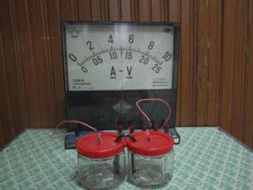 làm thiết bị học tập pin điện hóa