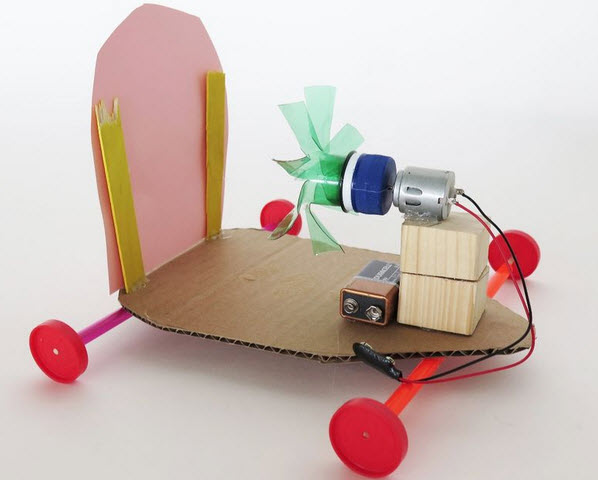 chế xe buồm đồ chơi đơn giản với motor