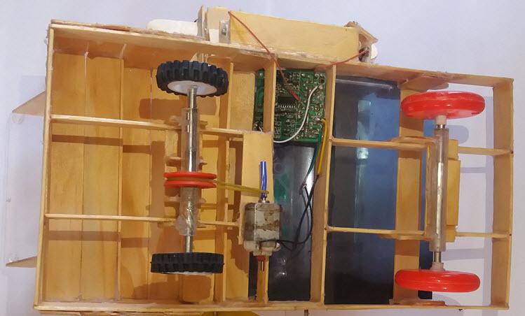mô hình máy bón phân cho người nông dân